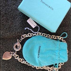 Tiffany & Co Toggle Heart Choker.